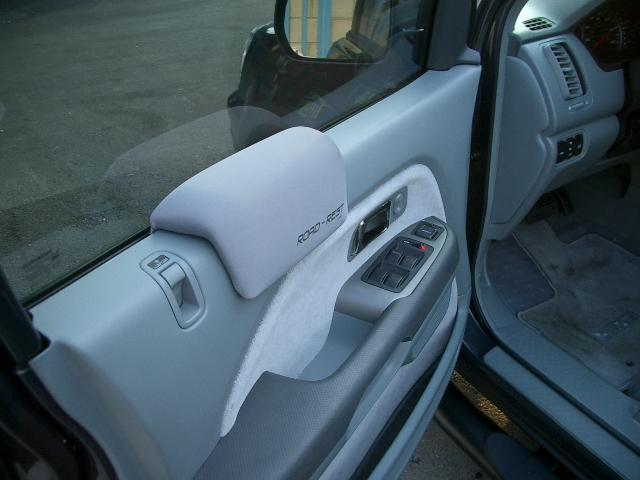 ... armrest.jpg ... & Driver side door - arm pad - Honda Pilot - Honda Pilot Forums
