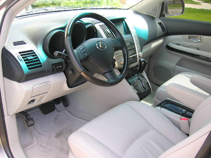 https://www.piloteers.org/forums/attachments/comparisons/26878d1126535281-lexus-rx330-inside-small.jpg