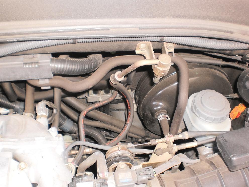 37572d1328471190 pcv vacuum hose location pic1 pcv vacuum hose location?? honda pilot honda pilot forums
